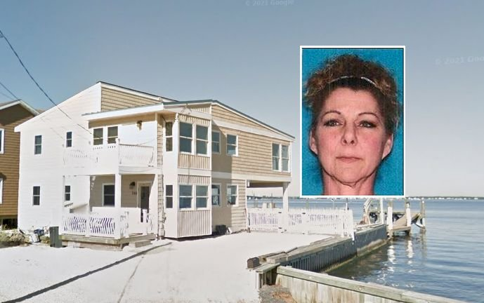 Daughter Stabs Elderly Father and His Girlfriend to Death in Waterfront Jersey Shore Home, Cops Say
